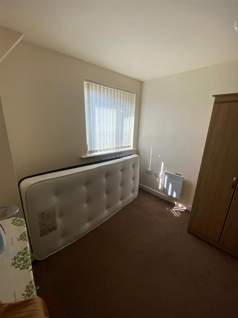 2 Bedroom Block Of Flats For Sale - 16.jpg